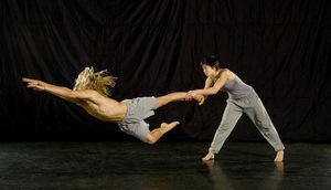 dance ballet push phisical theatre dancers