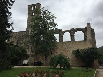 Le mur nord de la nef