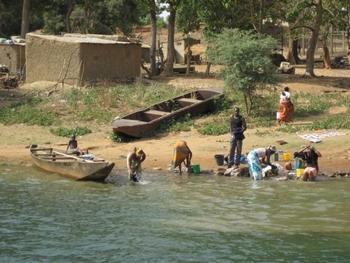 mali bafoulabé femmes au fleuve 2