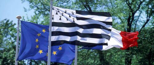 Participe en Belgique et polémique juridique française sur un prénom breton