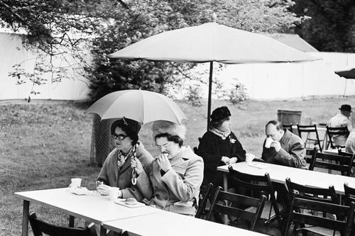 06 - Encore des parapluies!