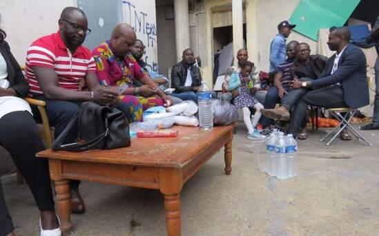 Seriez-vous prêts à aider des migrants en attente de régularisation ? ( sondage Le Parisien)