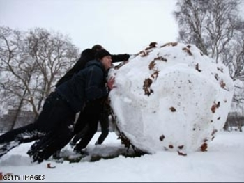 art.london.kensington.giant.snowball.gi