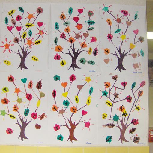 TOUS CYCLES-ARTS VISUELS-AUTOMNE- ENCRE ET CRAIE GRASSE- travail autour de l'arbre et des feuilles d'automne