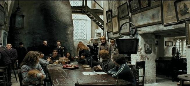 """Résultat de recherche d'images pour """"le chaudron baveur harry potter"""""""