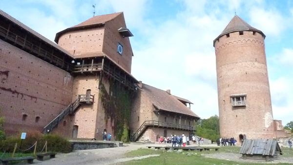 Les pays Baltes : Estonie : Jour 5 - Lettonie : Châteaux de Turaida et de Cesis