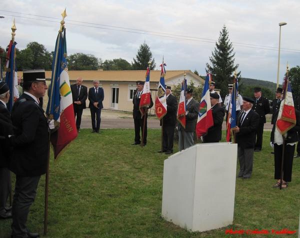 La cérémonie 2021 d'hommage aux harkis à Vanvey....