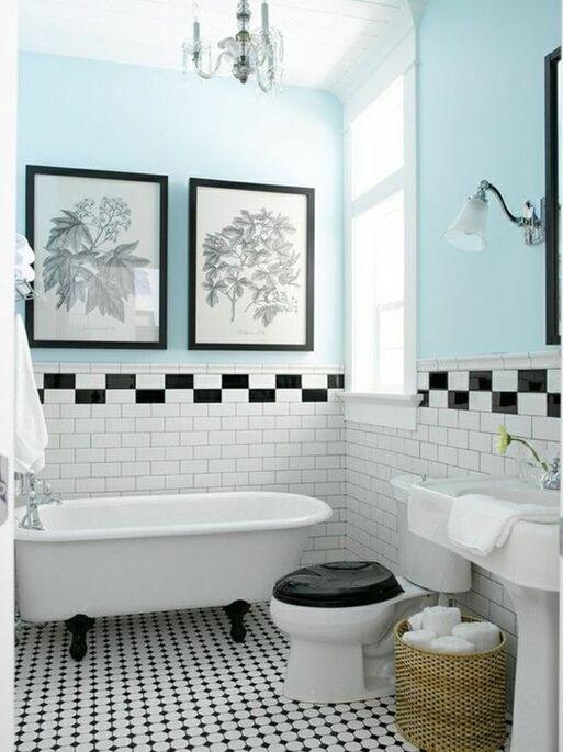 Salle de bains retro bleue