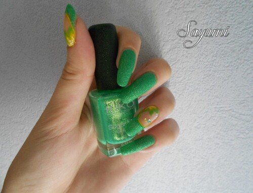 Nail Art Fleurs du Brésil