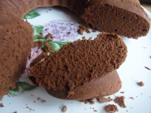 *** Gâteau au chocolat et aux blancs d'oeufs ***