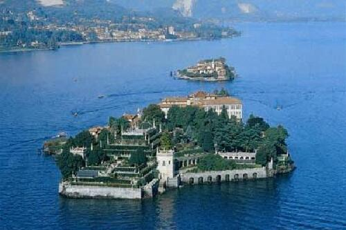 ITALIE. Beautiful Italy, Isola Bella Lago Maggiore, by Drone  (Voyages)