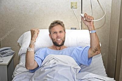 """Résultat de recherche d'images pour """"à l'hôpital un accidenté dans son lit"""""""