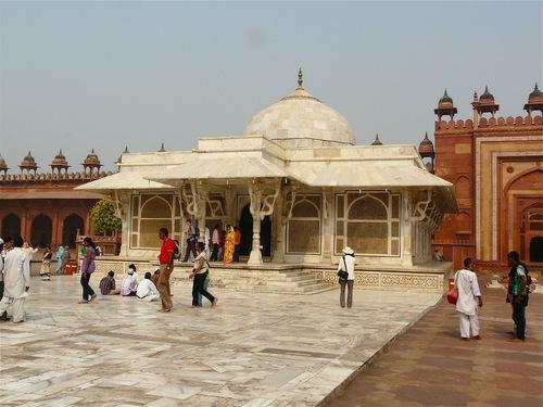 la tombe en marbre de Sheik Salim chishti à Fatehpur Sikri