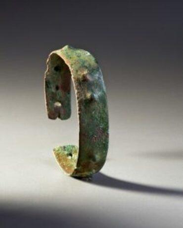 Bracelet, tard archaïque, lac Supérieur, il y a de 3 000 à 4 000 ans Cuivre amérindien Musée canadien de l'histoire, cuivre, DiJa-1: 34