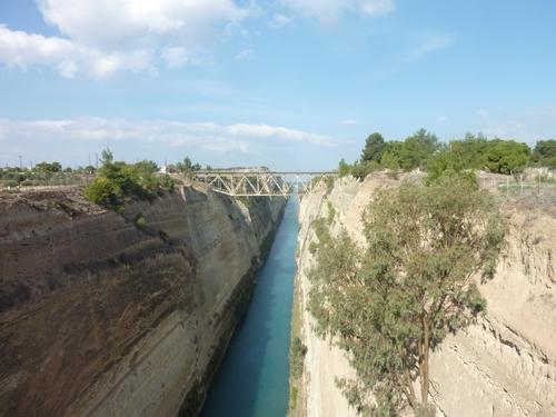 Le canal de Corinthe ou vaincre son vertige