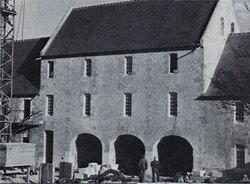 Patrimoine d'IFS : A propos de la ferme St-Bernard, actuel hôtel de ville...