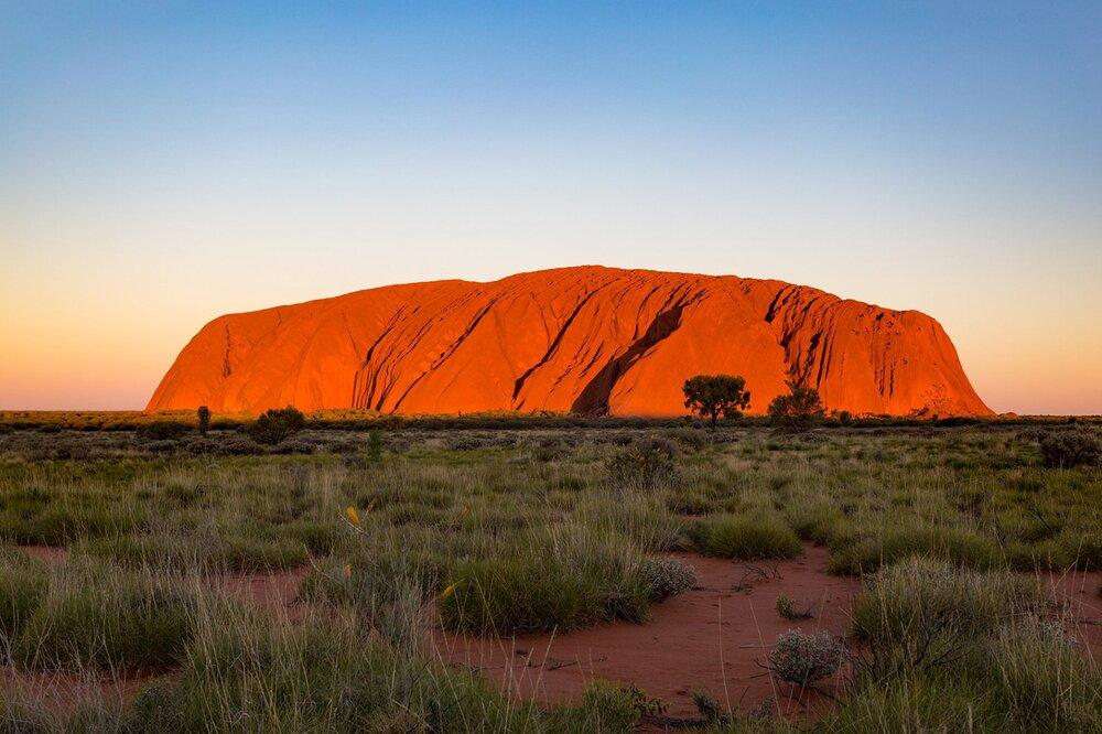 En Australie, les touristes ne pourront bientôt plus monter sur Uluru