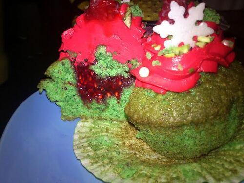 Calendrier de l'avent Gourmand : Menu de Noël en rouge et vert : Cupcakes de Noël pistaches/framboises