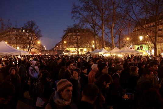 """France : la durée des activités de """"Nuit Debout"""" à la place de la République limitée"""