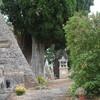 LAFRANCAISE dans le cimetière des tombes pyramidales 2017 08 09 photo mcmg82