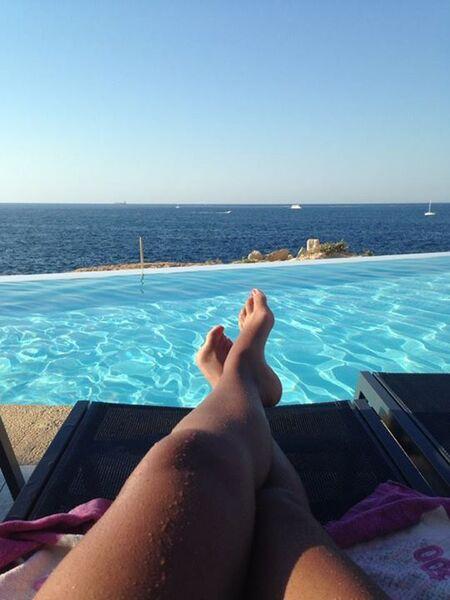 Doigt de pied en éventail de Sarah mais à Malte