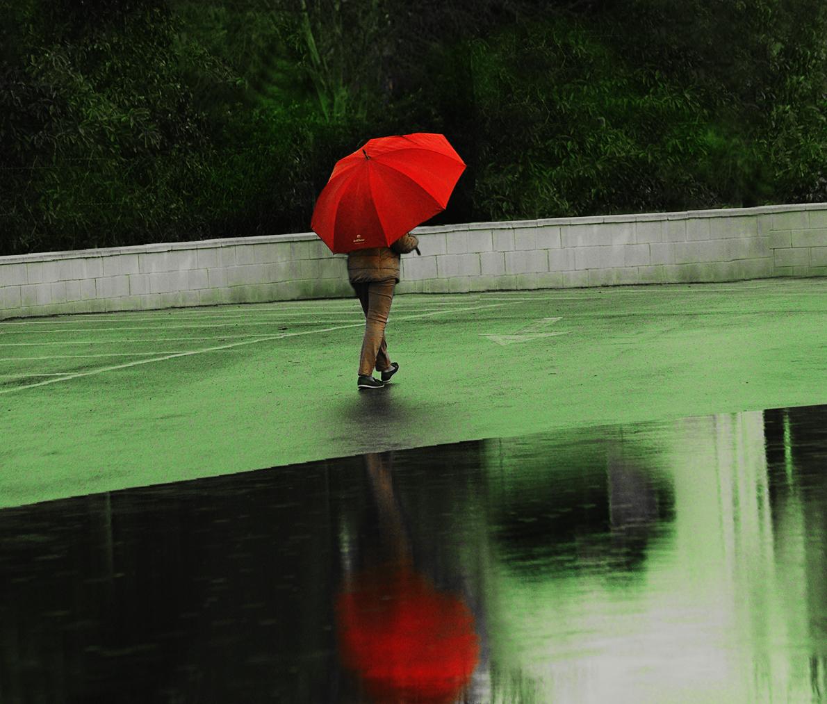parapluie rouge..