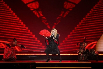 Rebel Heart Tour - 2015 10 08 - St-Paul, USA (6)