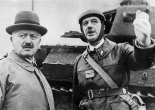"""* 2020 année de Gaulle - À Montcornet, Macron invoque """"l'esprit français qui jamais ne se résout à la défaite"""""""