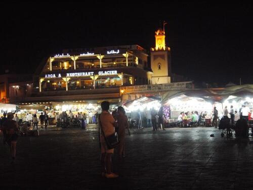 Sur la place Jeema el Fnaa