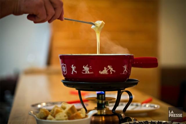 Tout le monde aime la fondue. Mais tout le monde ne s'entend pas sur la façon... (PHOTO OLIVIER JEAN, LA PRESSE)