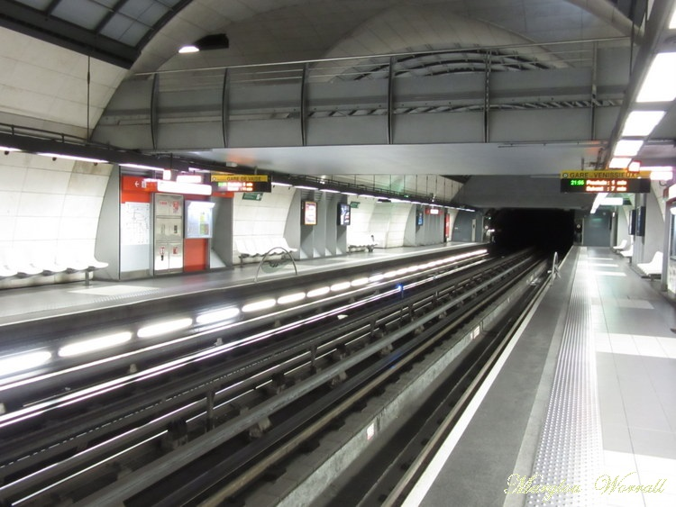 Lyon by night : Le métro 1/6