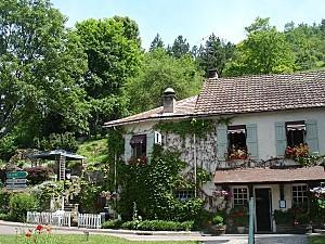 Lusigny-sur-Ouche - L'auberge - été