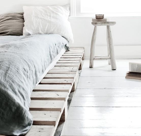 le sommier d 39 un lit avec des palettes en bois et autres astuces lak sha design. Black Bedroom Furniture Sets. Home Design Ideas