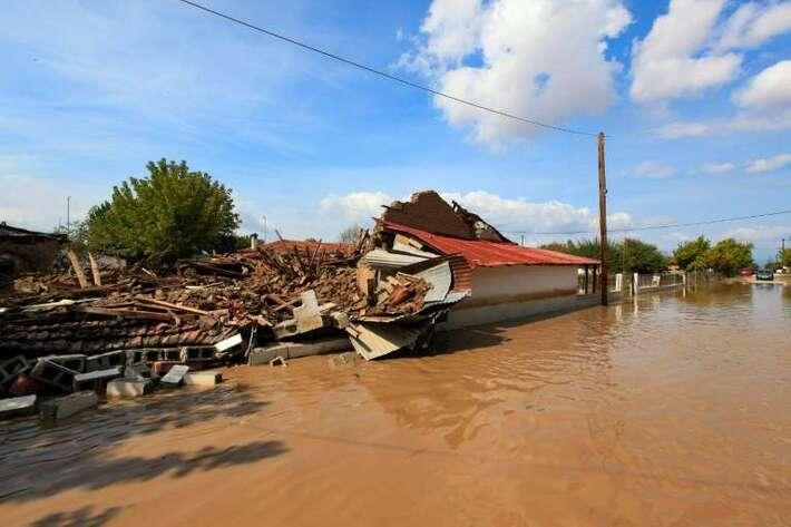 Ouragan en Grèce: deux morts, d'importants dégâts