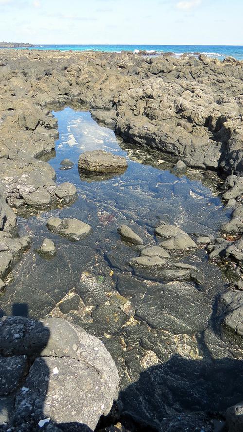 Lanzarote : Devant la grotte la plage