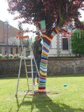 Exposition Yarn Bombing - Tout en fil pour nos 20 ans