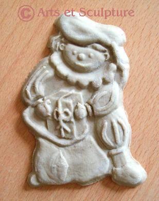 exemple de réalisation de biscuit Père Fouettard dans nos moules artisanaux en bois de hêtre - Arts et Sculpture: sculptrice sur bois