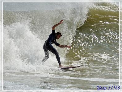 Un bon surfeur - Plage du Peu des Hommes - La Couarde-sur-Mer - Île de Ré - 17