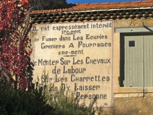 mur peint interdit chevaux labour1