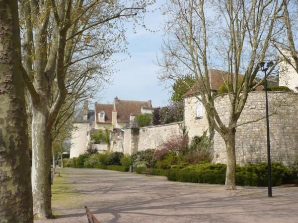 Issoudun Remparts-ancienne-citadelle