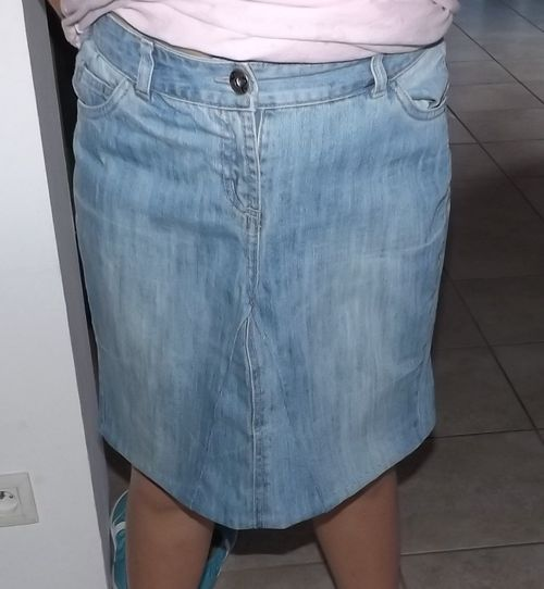 une jupe en jean