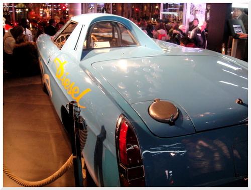 Peugeot 404.