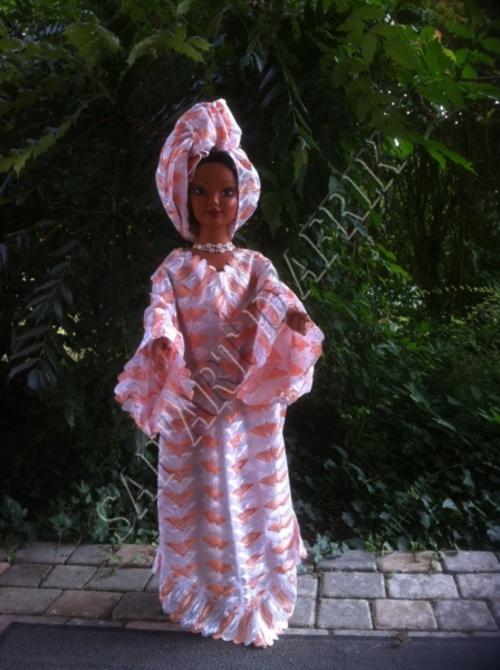 Poupées et tenues traditionnelles de Côte d'Ivoire
