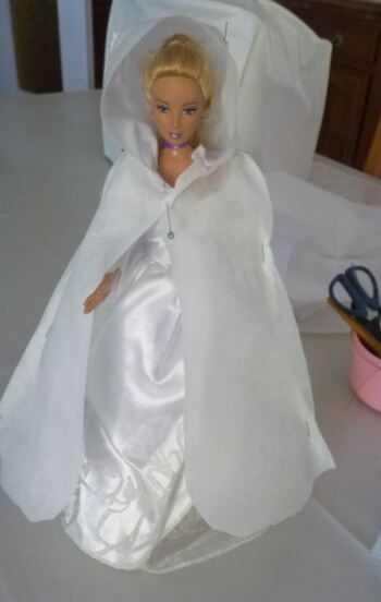"Barbie en cape "" Hermine"""