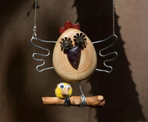 pendentif poule en bois, agate et fil de fer