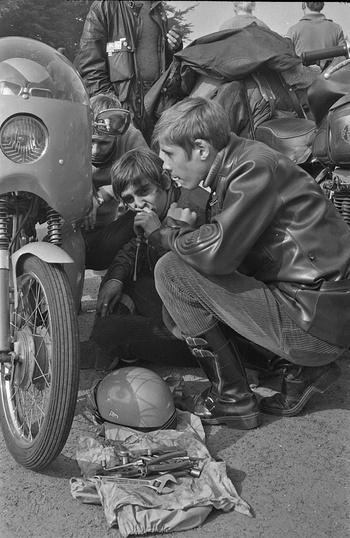 Concentration Cheval d'Acier 1971 à Bruges