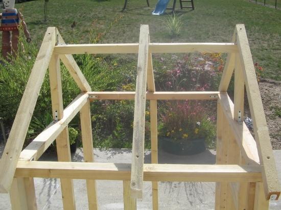 fabriquer toit cabane. Black Bedroom Furniture Sets. Home Design Ideas