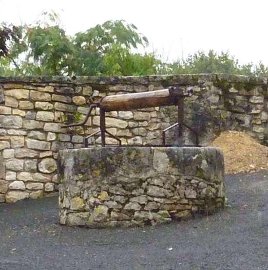 Le bourg d'Ajat (2)