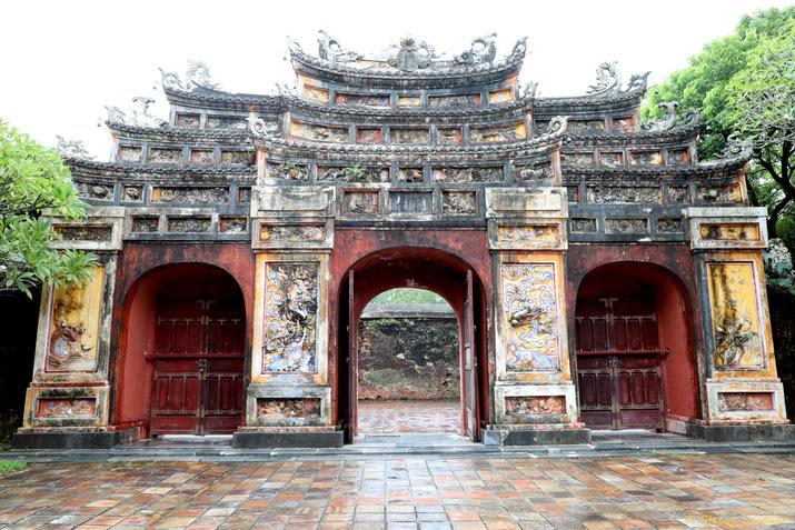 Cité impériale : la porte Miếu Môn du temple Thế Tổ Miếu
