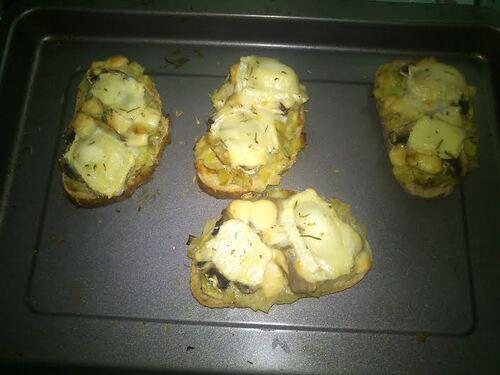 bruschetta poireaux/champignon/chèvre